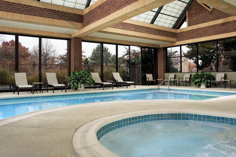 Crowne Plaza Annapolis-Refresh & Relax Poolside<br/>Image from Leonardo