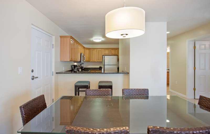 Holiday Inn Resort Grand Cayman-One Bedroom King Suite- kitchen/dining area, 900 Sq ft.<br/>Image from Leonardo