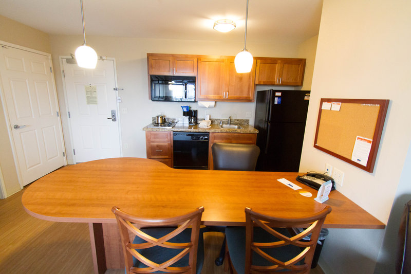 Candlewood Suites Santa Maria-One bedroom suite with breakfast bar and full kitchen<br/>Image from Leonardo