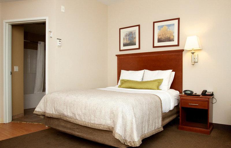 Candlewood Suites Santa Maria-Guest Room Studio Suite<br/>Image from Leonardo