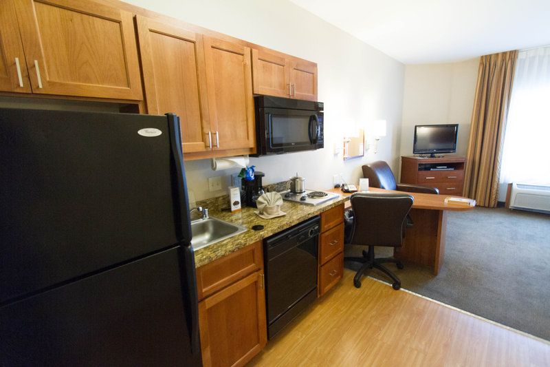Candlewood Suites Santa Maria-Studio suite offering a full kitchen including the dishes!<br/>Image from Leonardo