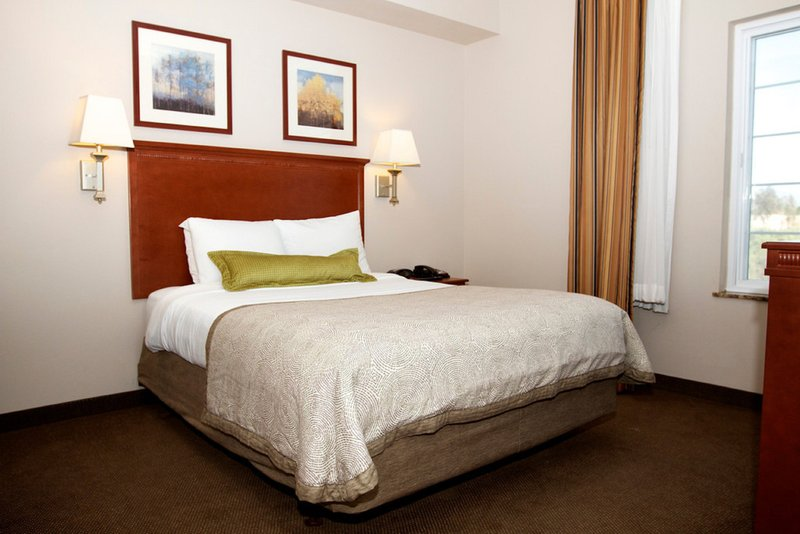 Candlewood Suites Santa Maria-Single Bed Guest Room<br/>Image from Leonardo