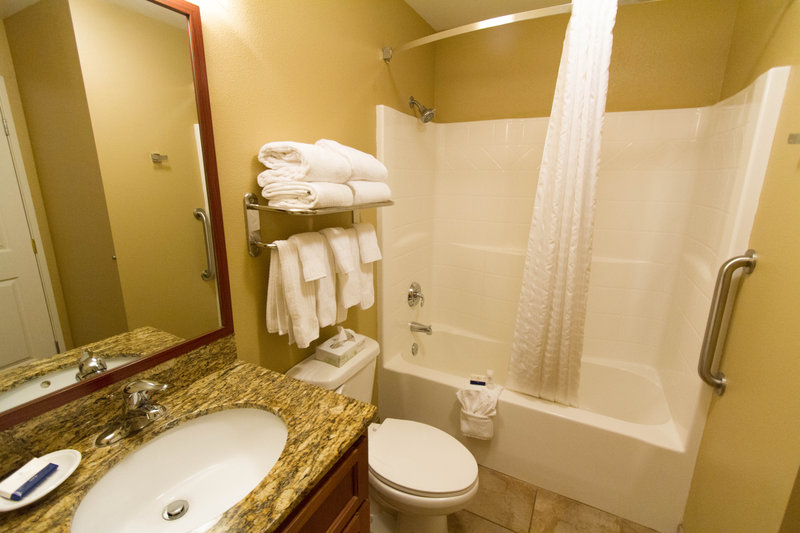 Candlewood Suites Santa Maria-Our spacious bathrooms feature thoughful amenities<br/>Image from Leonardo