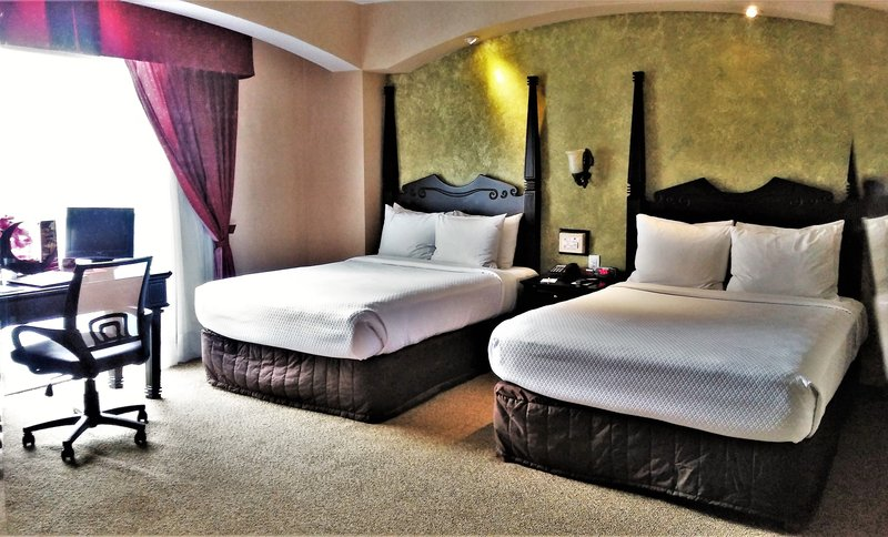 Crowne Plaza Hotel de Mexico-Double Bed Guest Room<br/>Image from Leonardo