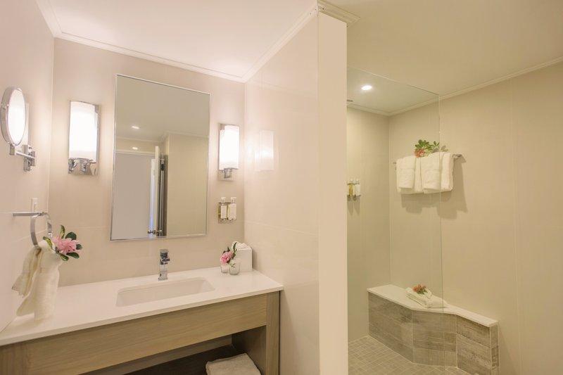 Bougainvillea Barbados-Deluxe Studio - Bathroom<br/>Image from Leonardo