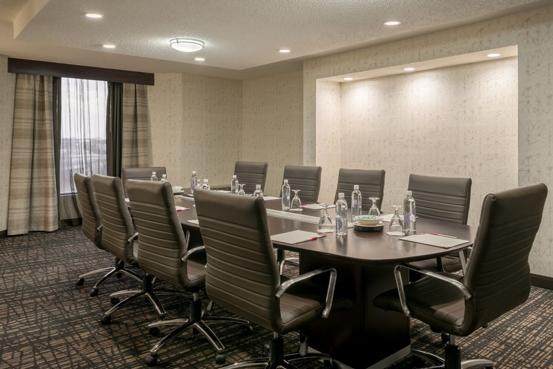 Crowne Plaza Annapolis-Suite Boardroom<br/>Image from Leonardo