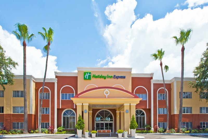 Holiday Inn Express Clearwater East - Icot Center-Beautiful entrance with Florida Landscaping <br/>Image from Leonardo