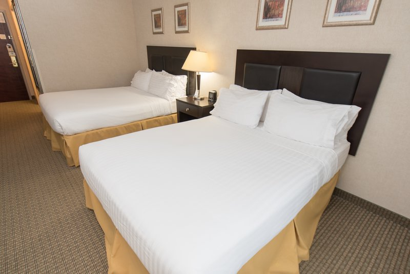 Holiday Inn Express & Suites North East (Erie I-90 Exit 41)-Guest Room<br/>Image from Leonardo