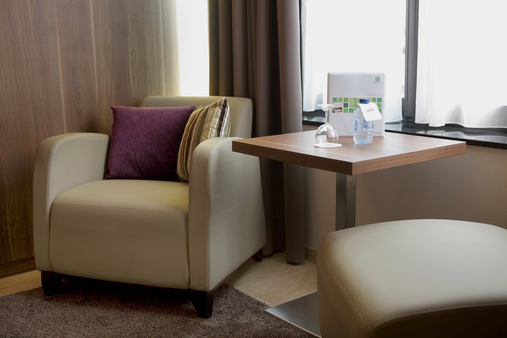 Holiday Inn Brussels - Schuman-King Bed Guest Room<br/>Image from Leonardo