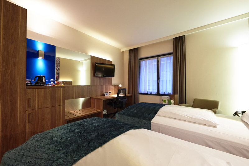 Holiday Inn Brussels - Schuman-Twin bed guestroom<br/>Image from Leonardo