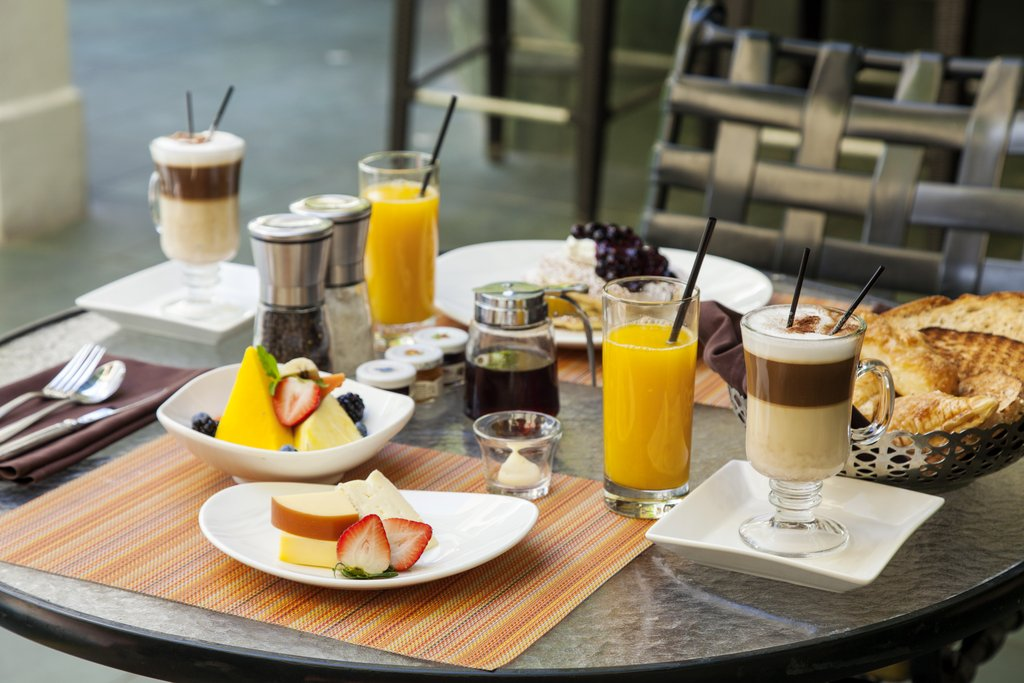 Hotel El Convento - Breakfast at Patio del Nispero <br/>Image from Leonardo