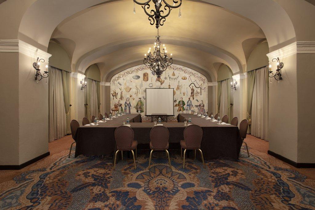 Hotel El Convento - Salon Oller <br/>Image from Leonardo