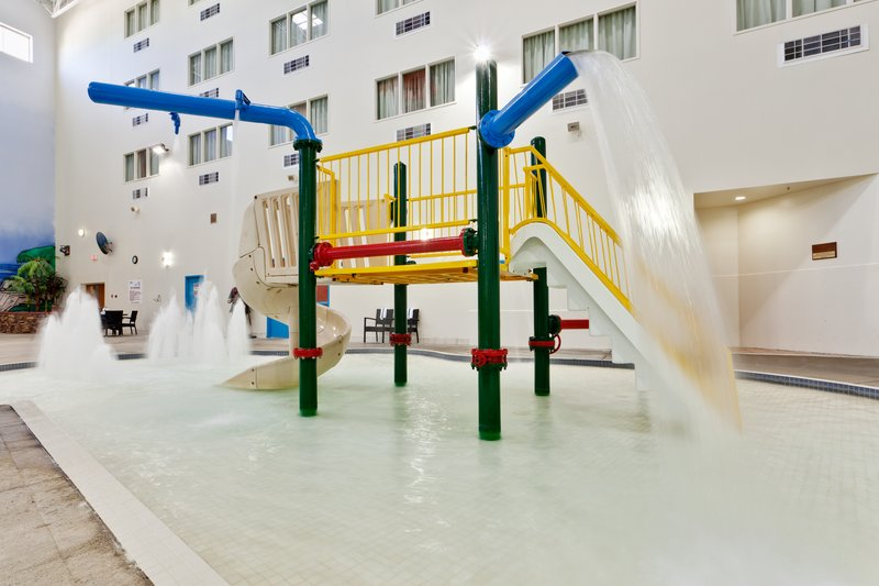 Holiday Inn Lethbridge-Kiddie Interactive Pool<br/>Image from Leonardo
