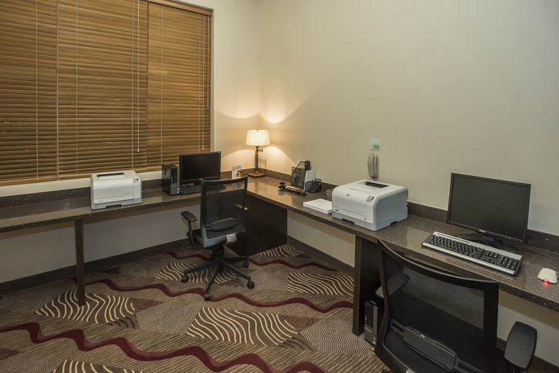 Holiday Inn Lethbridge-Business Center open 24H for your last minute printing needs<br/>Image from Leonardo