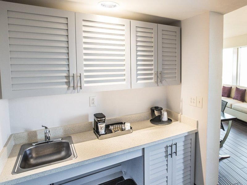 Holiday Inn Charleston Historic Downtown-Suite Wetbar  with Refridgerator, Microwave, and Sink<br/>Image from Leonardo