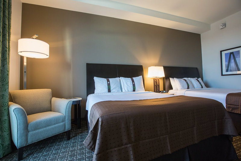 Holiday Inn Charleston Historic Downtown-Standard guest room with two queen beds and 40