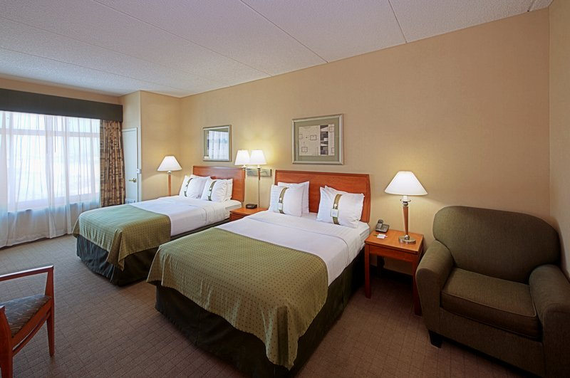Holiday Inn Express Phoenix-I-10 West/Goodyear-Guest Room<br/>Image from Leonardo
