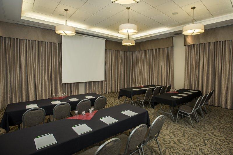 Holiday Inn Lethbridge-Magrath room classroom style<br/>Image from Leonardo