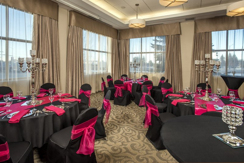 Holiday Inn Lethbridge-Our sales & catering department is at your service<br/>Image from Leonardo