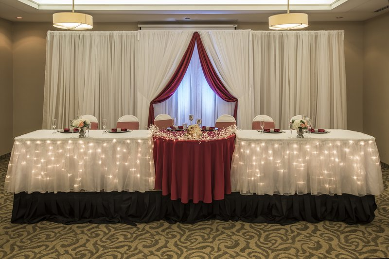 Holiday Inn Lethbridge-We are here to assist in the planning of your event<br/>Image from Leonardo