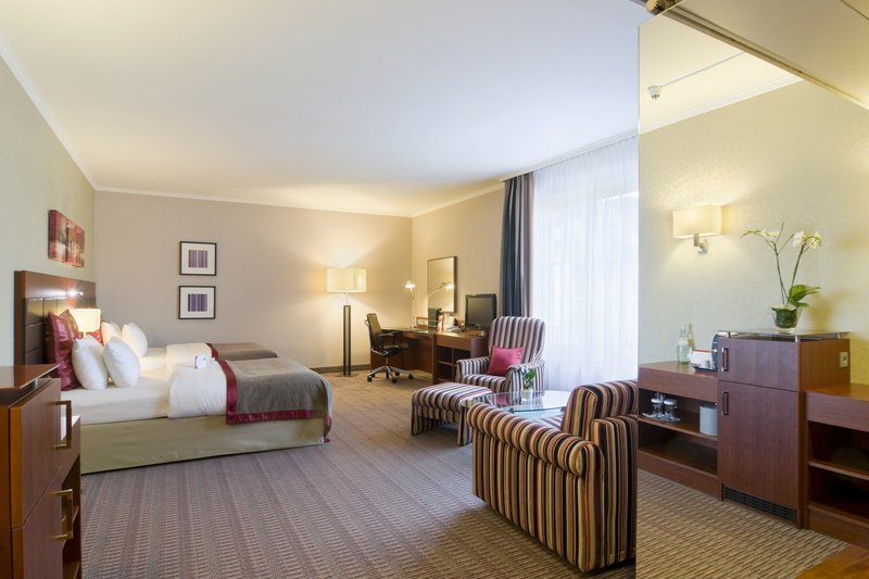Crowne Plaza Heidelberg City Centre-Studio - spacious one room suite with Club Lounge access<br/>Image from Leonardo