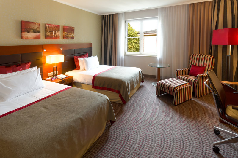Crowne Plaza Heidelberg City Centre-Club rooms include breakfast, minibar, WLAN and Club Lounge access<br/>Image from Leonardo
