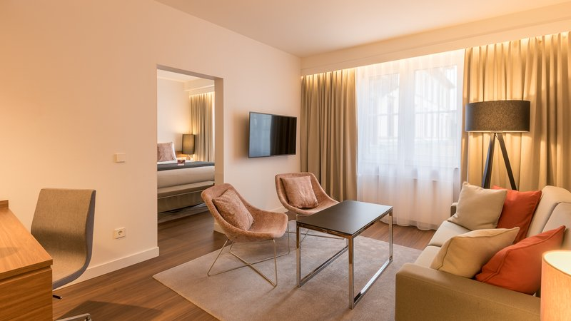 Crowne Plaza Heidelberg City Centre-Guest Room<br/>Image from Leonardo