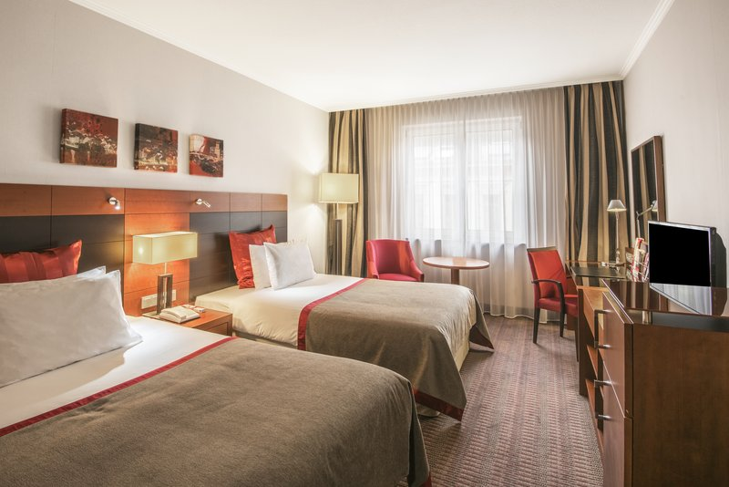 Crowne Plaza Heidelberg City Centre-Twin Bed Guest Room<br/>Image from Leonardo