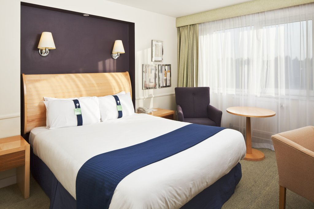 Holiday Inn Basildon-Double bedroom available on any floor of the hotel<br/>Image from Leonardo