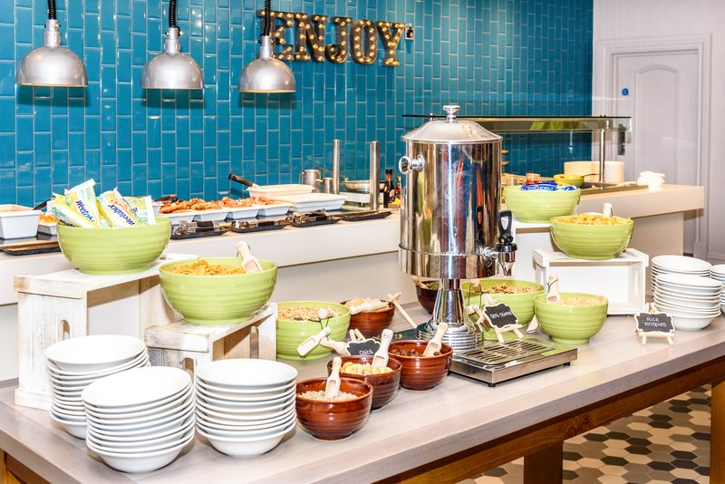 Holiday Inn Portsmouth-Indulge in the wide selection of food in our Breakfast Buffet.<br/>Image from Leonardo