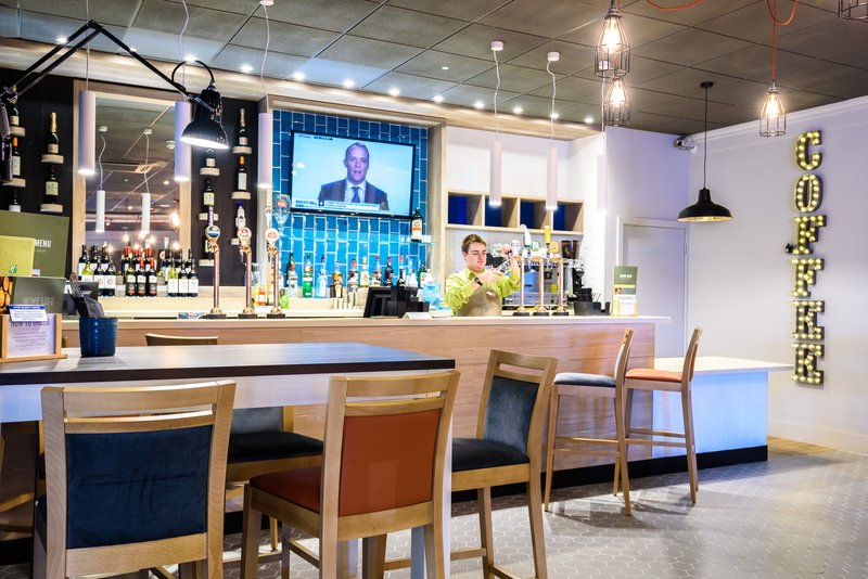 Holiday Inn Portsmouth-Bar and Lounge<br/>Image from Leonardo