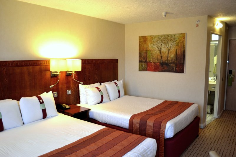 Holiday Inn Northampton-Even friends or children will enjoy a comfortable sleep.<br/>Image from Leonardo