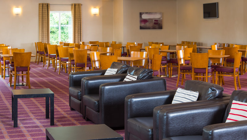 Holiday Inn Express Newcastle-Metro Centre-Catch up with friends in our Great Room lounge<br/>Image from Leonardo