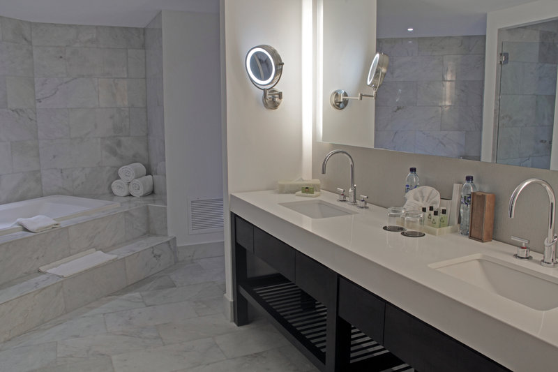Intercontinental Guatemala-Jacuzzi Suite<br/>Image from Leonardo