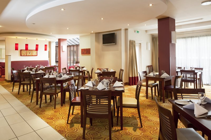 Holiday Inn Northampton-Great place to relax and enjoy a great variety with a great team.<br/>Image from Leonardo