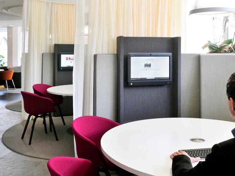 Mercure Hotel Nijmegen Centre-Meeting Room<br/>Image from Leonardo