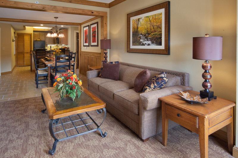 Holiday Inn Club Vacations Gatlinburg-Smoky Mountain Resort-Open and spacious floorplan makes entertaining easy<br/>Image from Leonardo