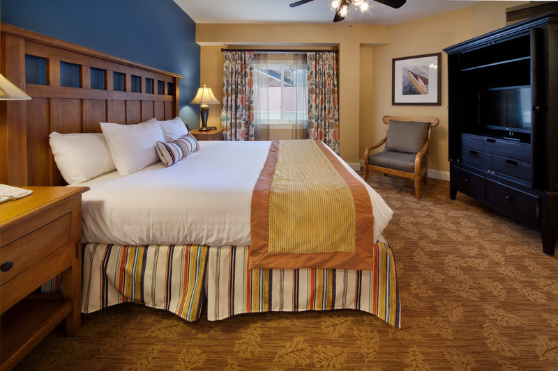 Holiday Inn Club Vacations Gatlinburg-Smoky Mountain Resort-Spacious master bedroom with king size bed<br/>Image from Leonardo