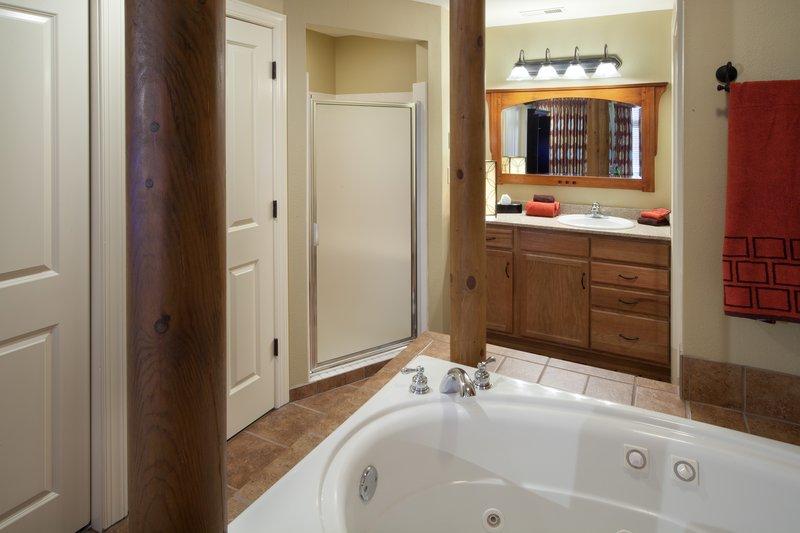 Holiday Inn Club Vacations Gatlinburg-Smoky Mountain Resort-Large oversized spa tub to enjoy in your master bedroom<br/>Image from Leonardo