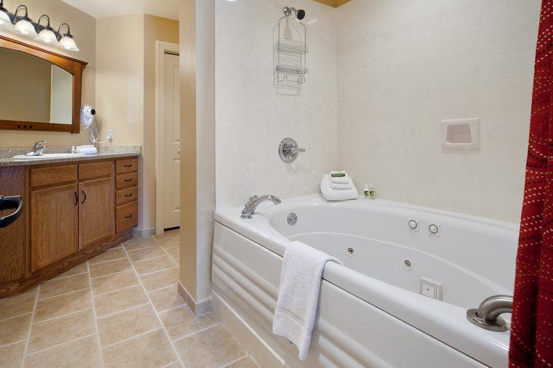 Holiday Inn Club Vacations Gatlinburg-Smoky Mountain Resort-Spacious tub in one bedroom villa<br/>Image from Leonardo