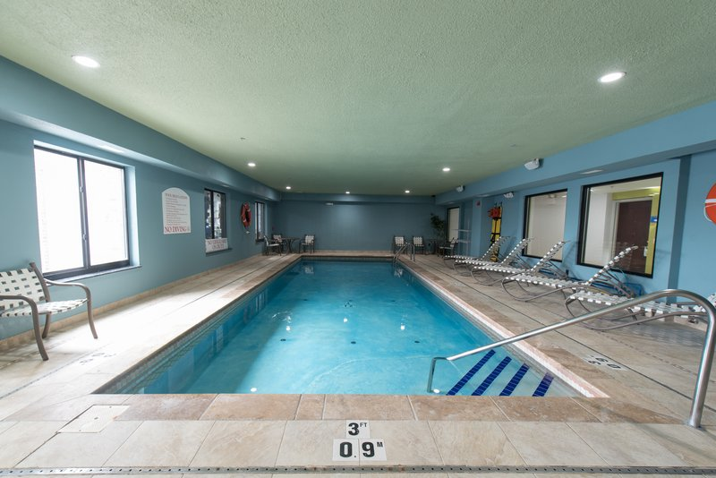 Holiday Inn Express & Suites North East (Erie I-90 Exit 41)-Swimming Pool<br/>Image from Leonardo