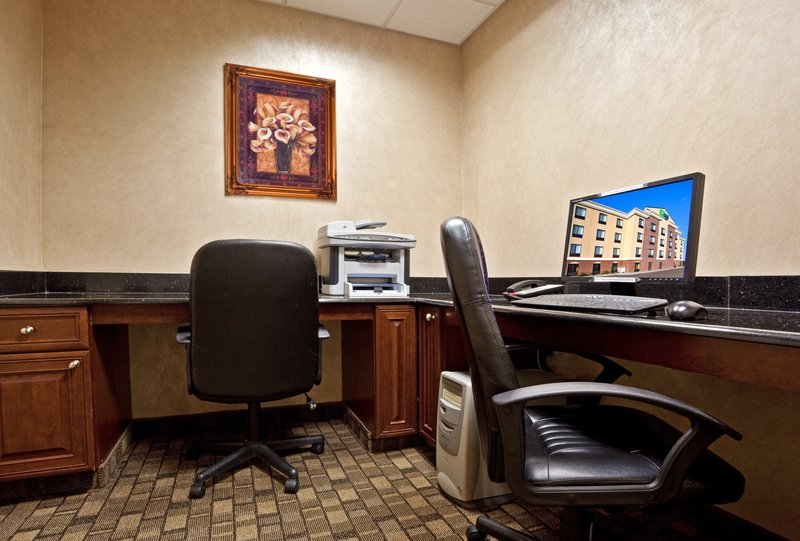 Holiday Inn Express & Suites North East (Erie I-90 Exit 41)-Business Center<br/>Image from Leonardo