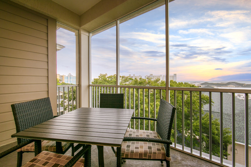 Holiday Inn Club Vacations South Beach Resort-Furnished balcony in a Signature Collection suite to enjoy<br/>Image from Leonardo
