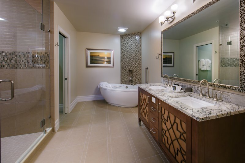 Holiday Inn Club Vacations South Beach Resort-Signature Collection bathroom with ornate separate tub<br/>Image from Leonardo