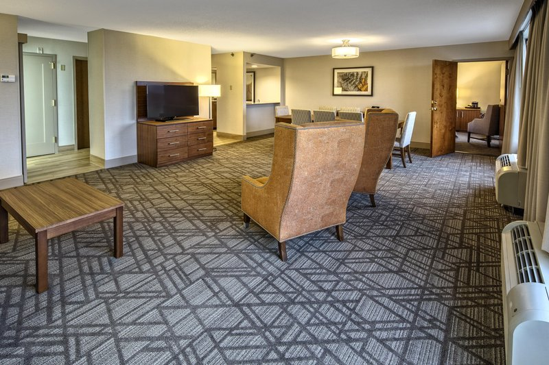 Hilton Knoxville Airport, TN-Executive Floor<br/>Image from Leonardo