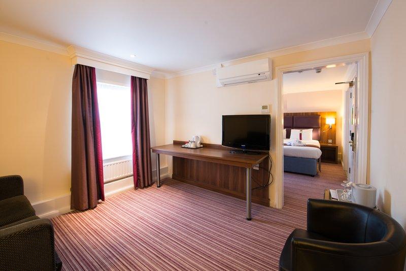 Holiday Inn Milton Keynes East M1, Jct.14-Junior Suite<br/>Image from Leonardo