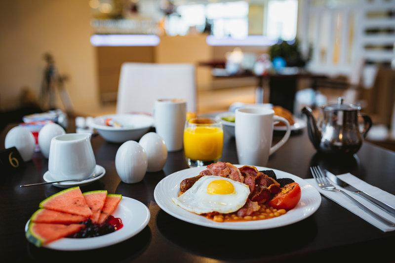 Holiday Inn Winchester-Breakfast<br/>Image from Leonardo