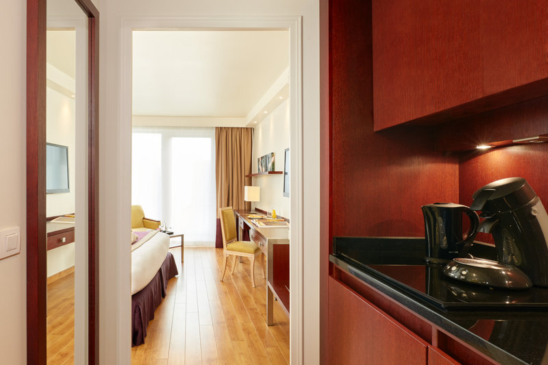 Crowne Plaza Paris - Charles de Gaulle-Enjoy your stay in our Standard Rooms at Crowne Plaza CDG<br/>Image from Leonardo
