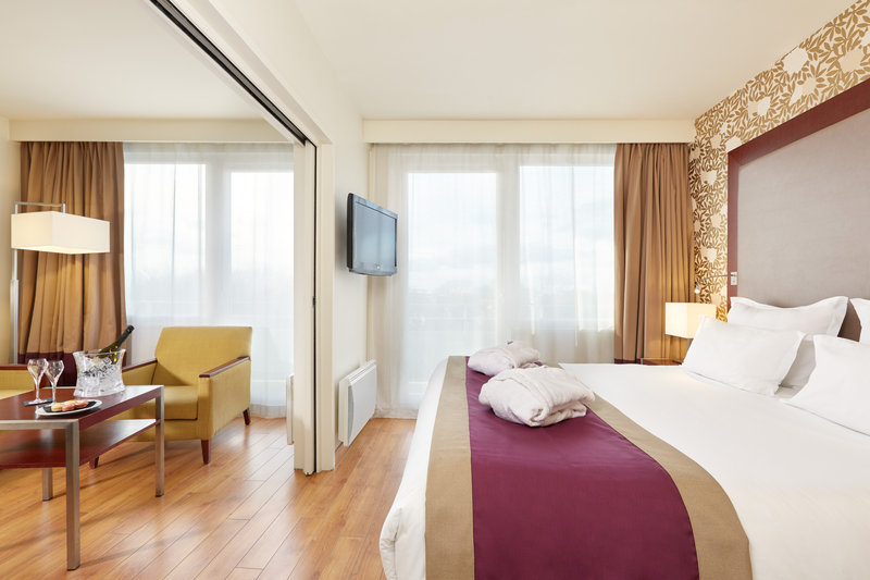 Crowne Plaza Paris - Charles de Gaulle-Our Junior Suite Crowne Plaza Club in Roissy en France<br/>Image from Leonardo