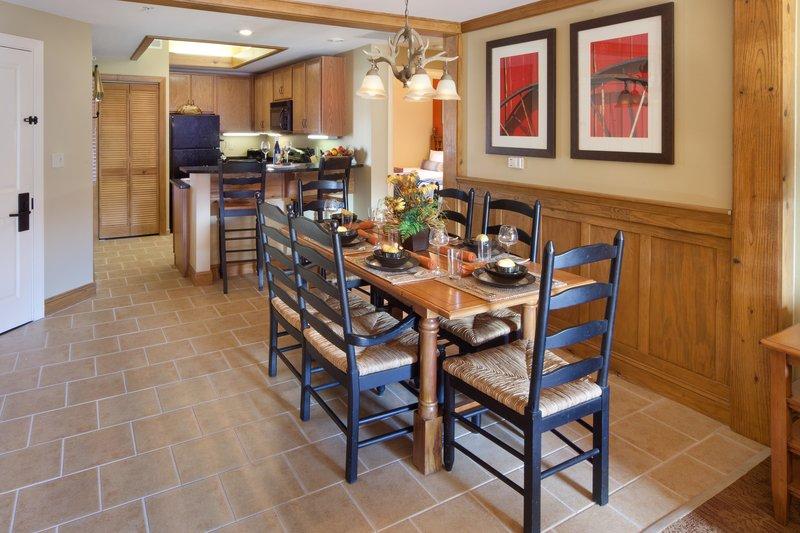 Holiday Inn Club Vacations Gatlinburg-Smoky Mountain Resort-Prepare and enjoy a family dinner in your villa<br/>Image from Leonardo